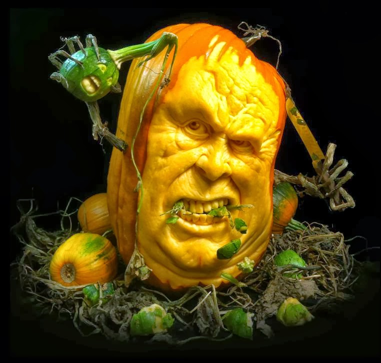 pumpkin-grab-bw-ray-villafane